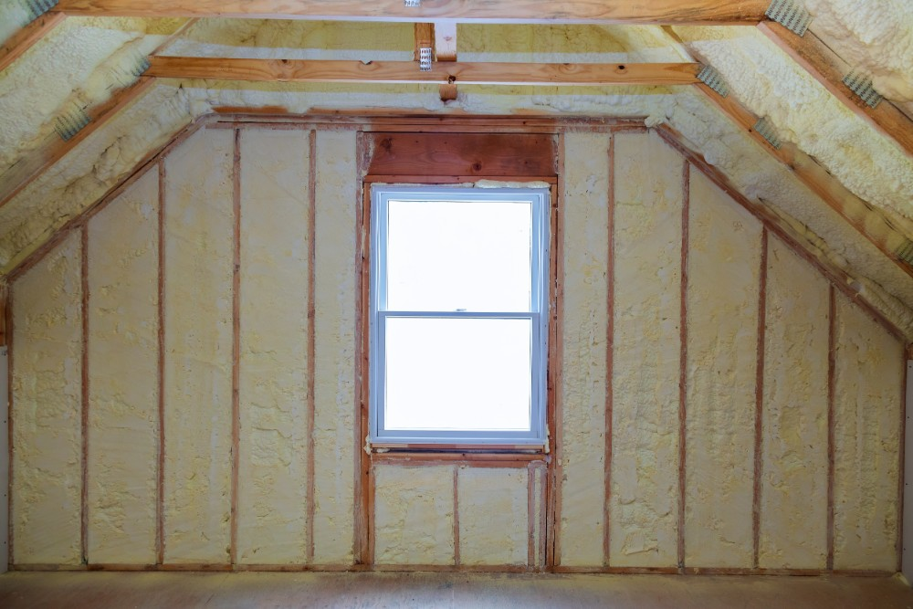 Insulated room with window at the centre